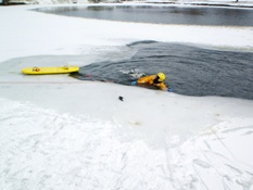 Ice Rescue Training 019.jpg