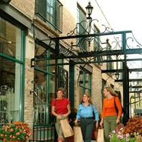 Downtown Libertyville Shoppers