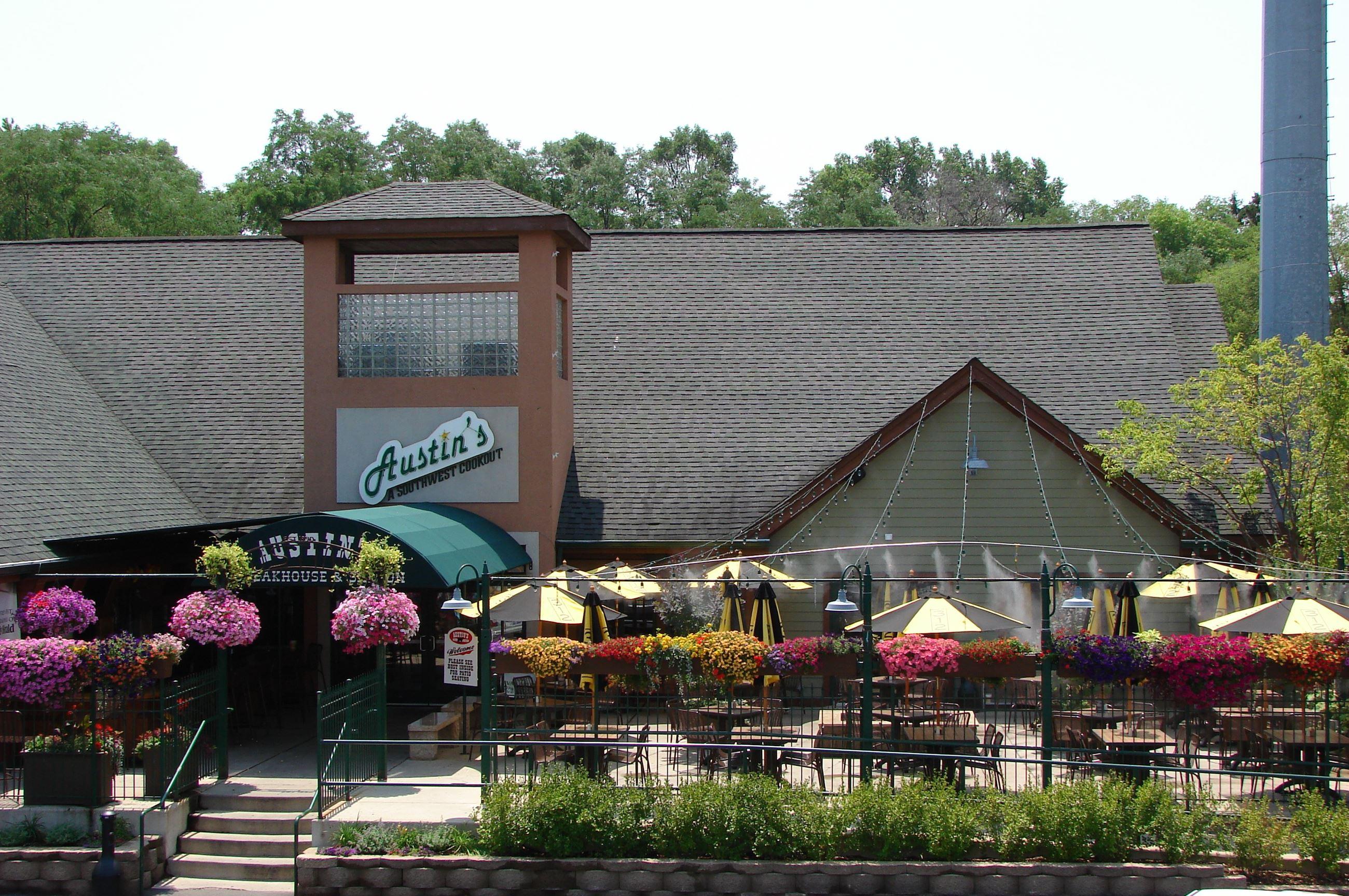 Austin S Saloon Shakou Libertyville